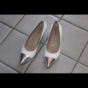 White w/ silver toe mini heels